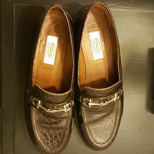 TALBOTS BROWN LEATHER LOAFERS SIZE 8M